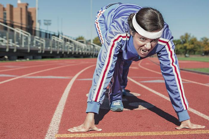Os exercícios físicos são excelentes auxiliares no combate ao inchaço abdominal.